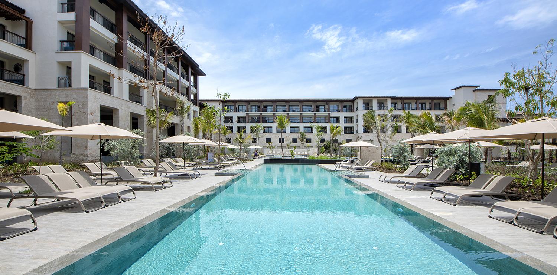 Bavaro-Pool-Lopesan-Costa-Bavaro-Resort