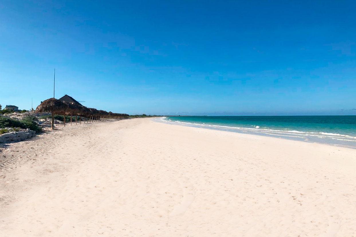 CCC-Valentin-Cayo-Cruz-Beach-002