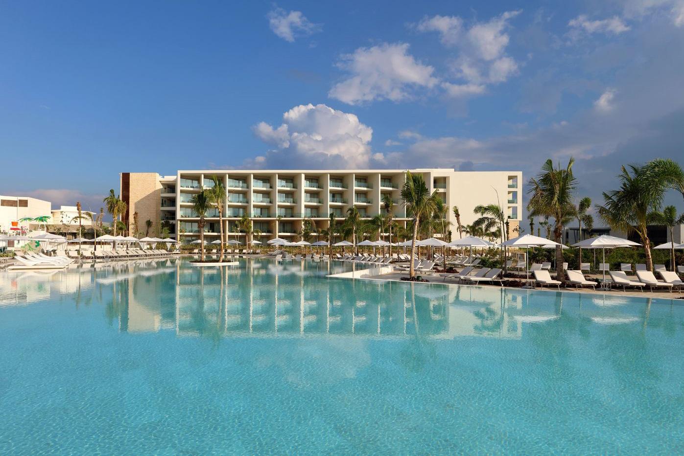 CUN-Grand-Palladium-Costa-Mujeres-Pool-001