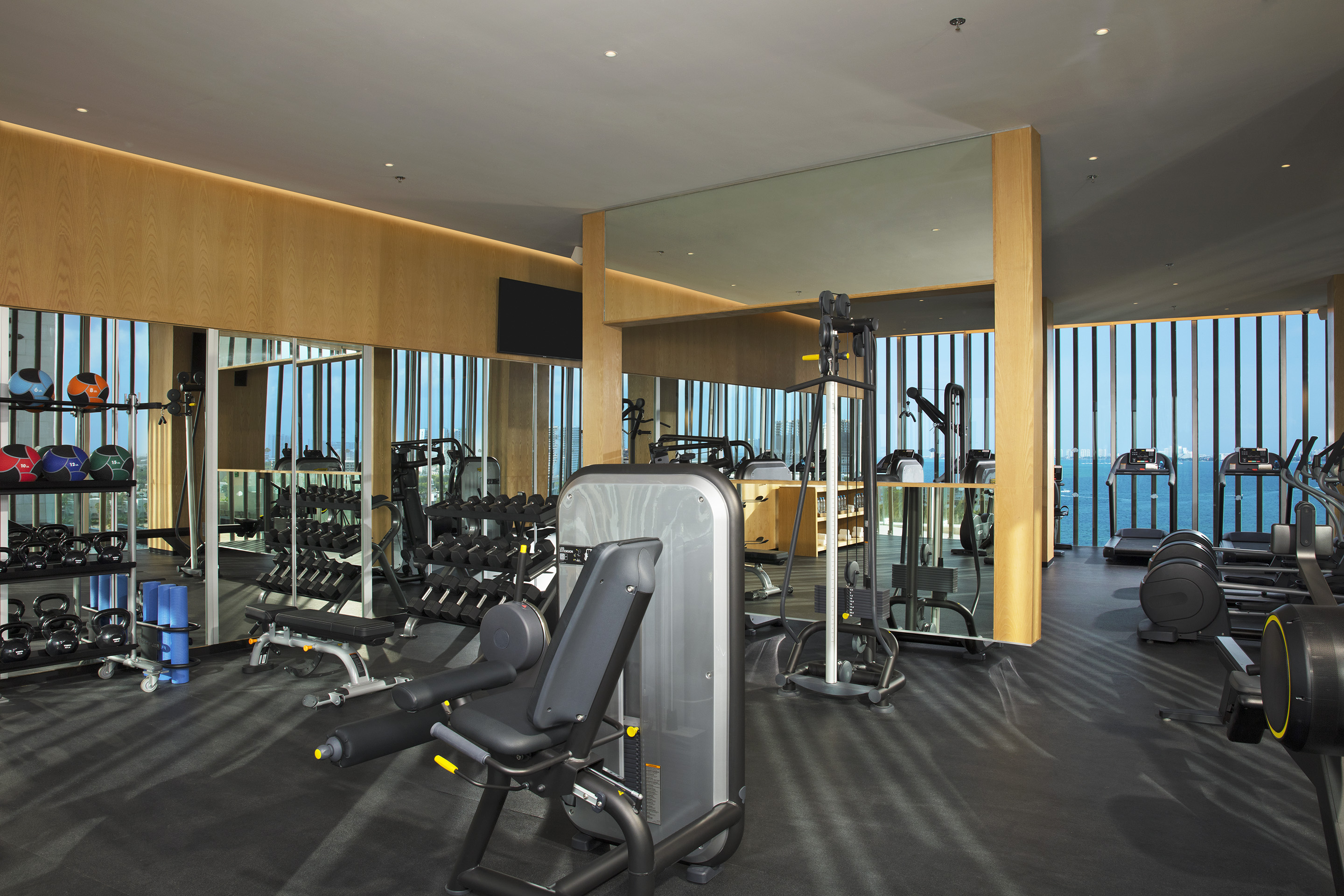DREVC-FIT-FitnessCenter-2A-RGB