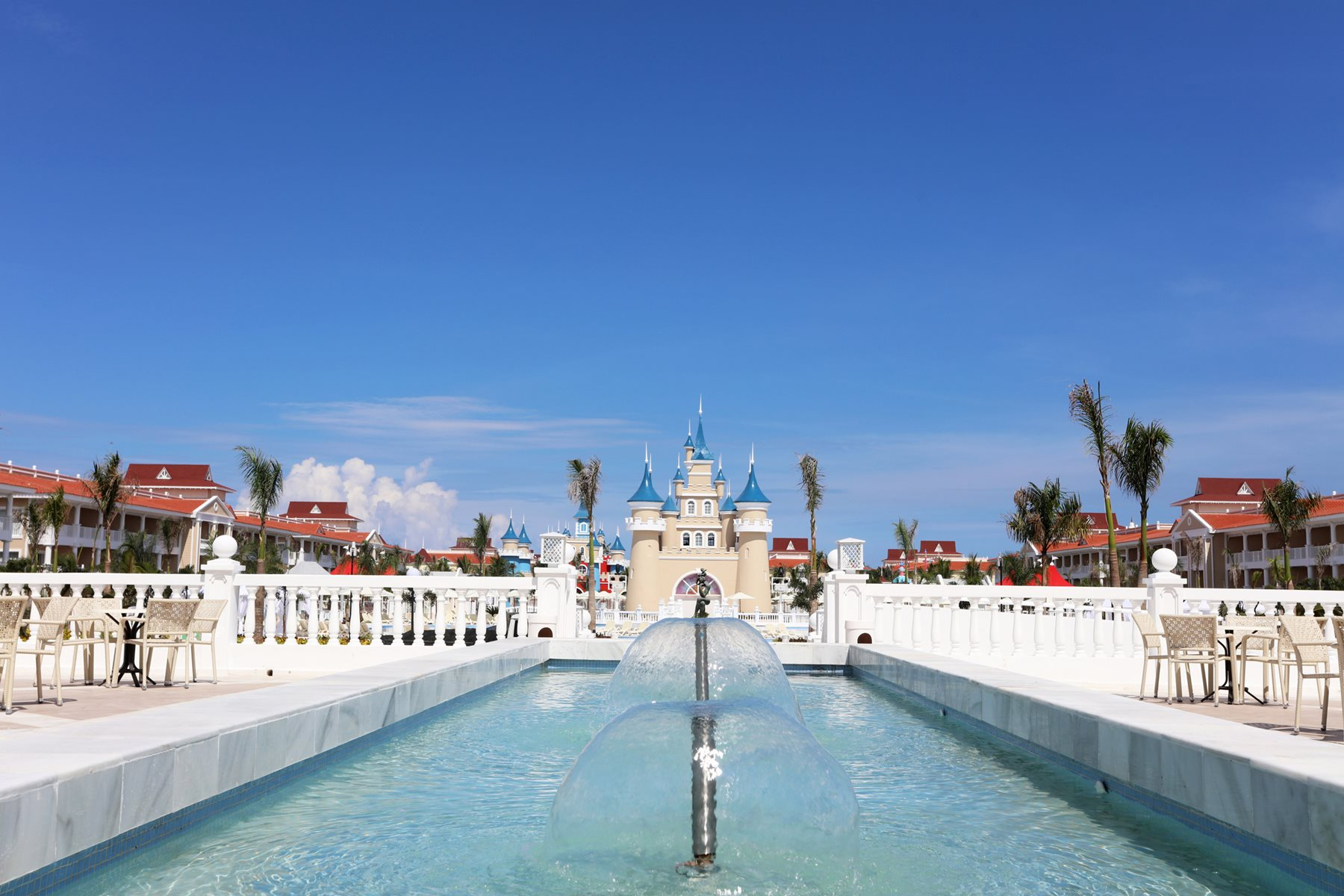 Luxury-Bahia-Principe-Fantasia-Pool-001