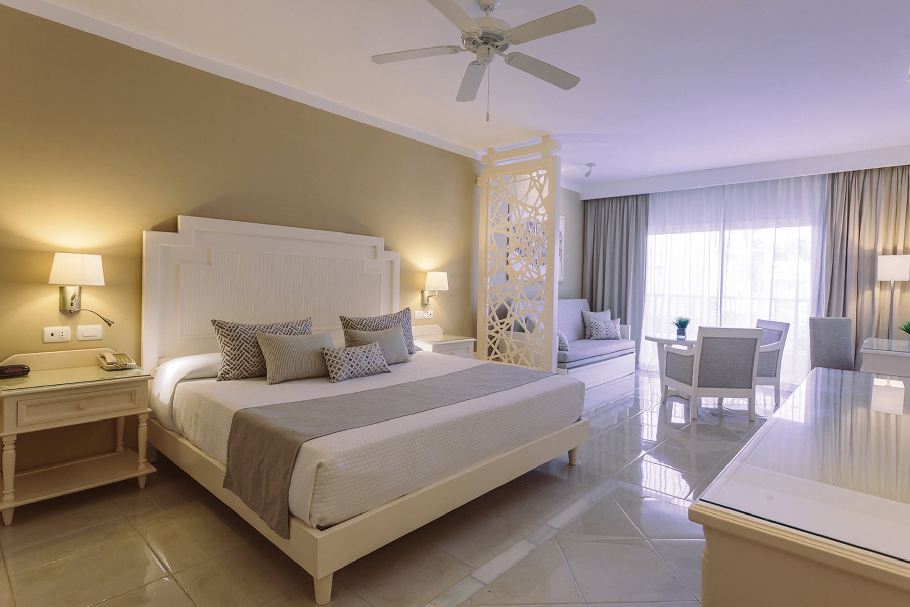 PUJ-Luxury-Bahia-Principe-Fantasia-Don-Pablo-Room-Junior-Suite-Deluxe