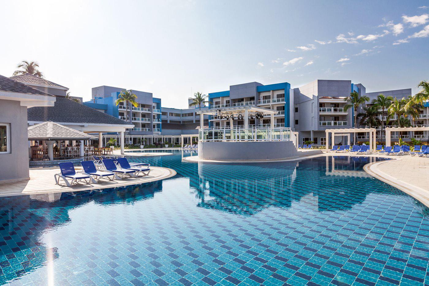 VRA-Sol-Varadero-Beach-Pool-001