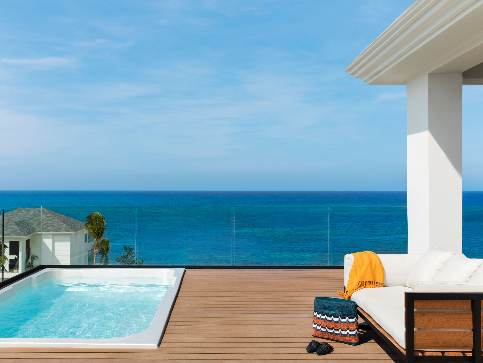 XOB_Imperial_Suite_Rooftop_Terrace_With_Plunge_Pool_Ocean_Front_2_HR