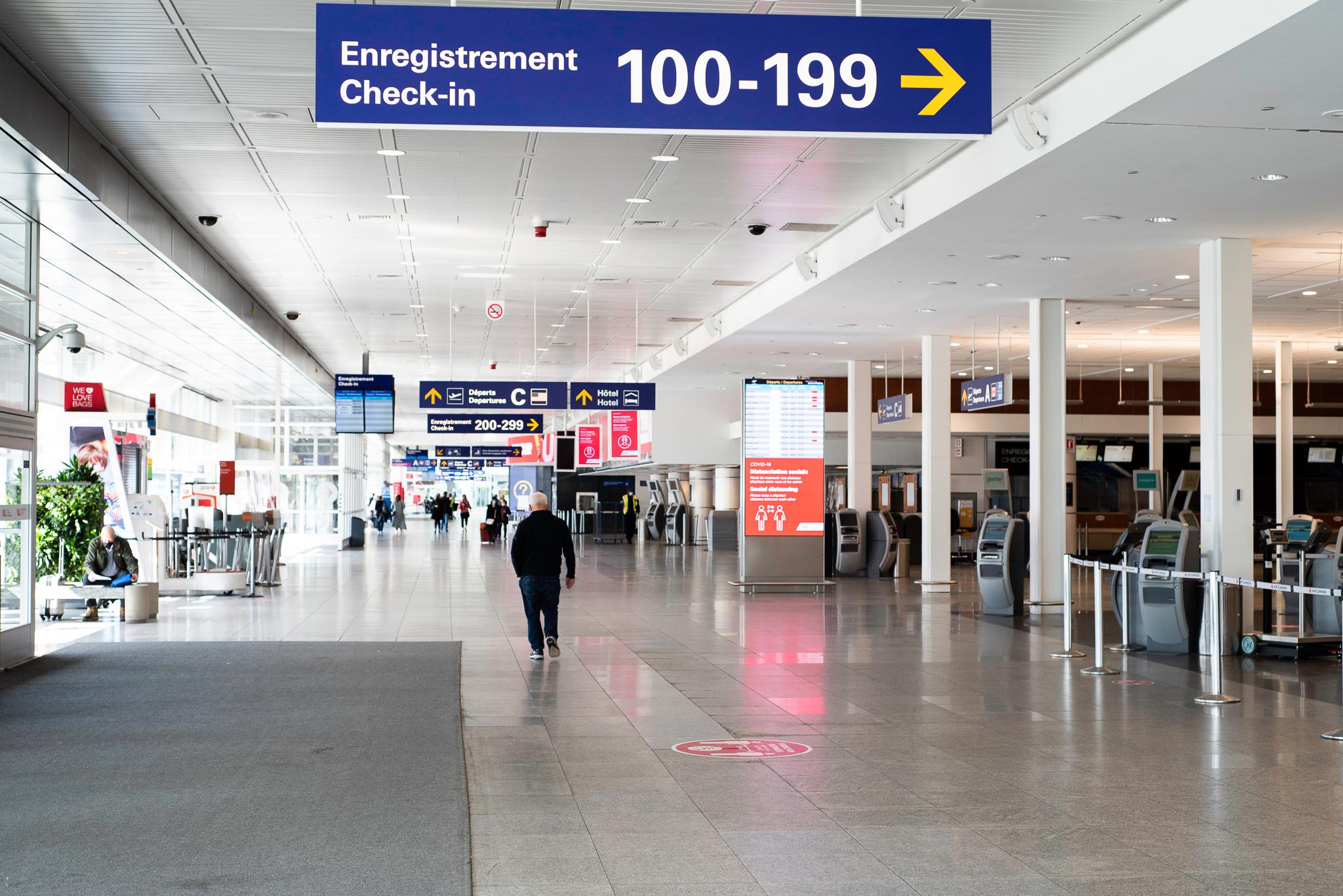 En images : Les mesures mises en place à l'aéroport de Montréal pour votre sécurité