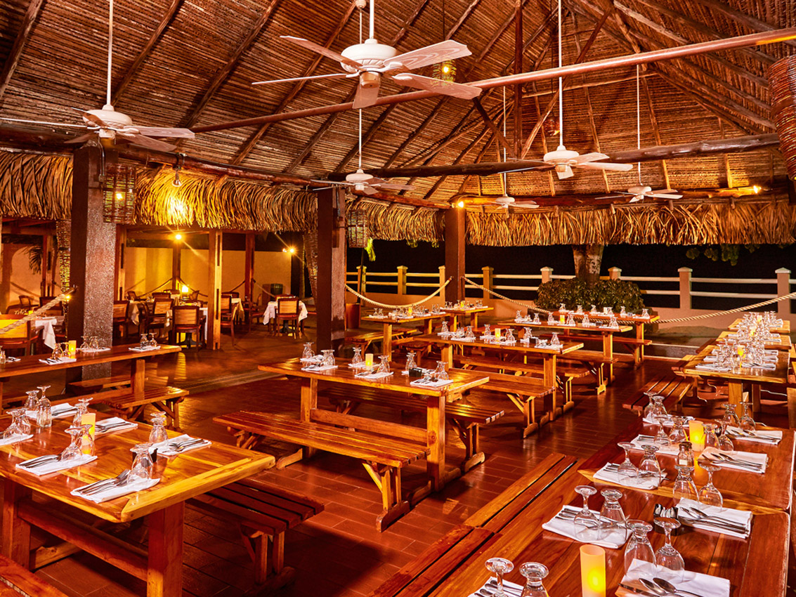 Royal-Decameron-Panama-Restaurant-010-Catch-of-the-day