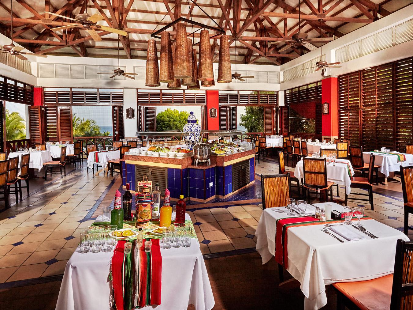 Royal-Decameron-Panama-Restaurant-011-Cuzco