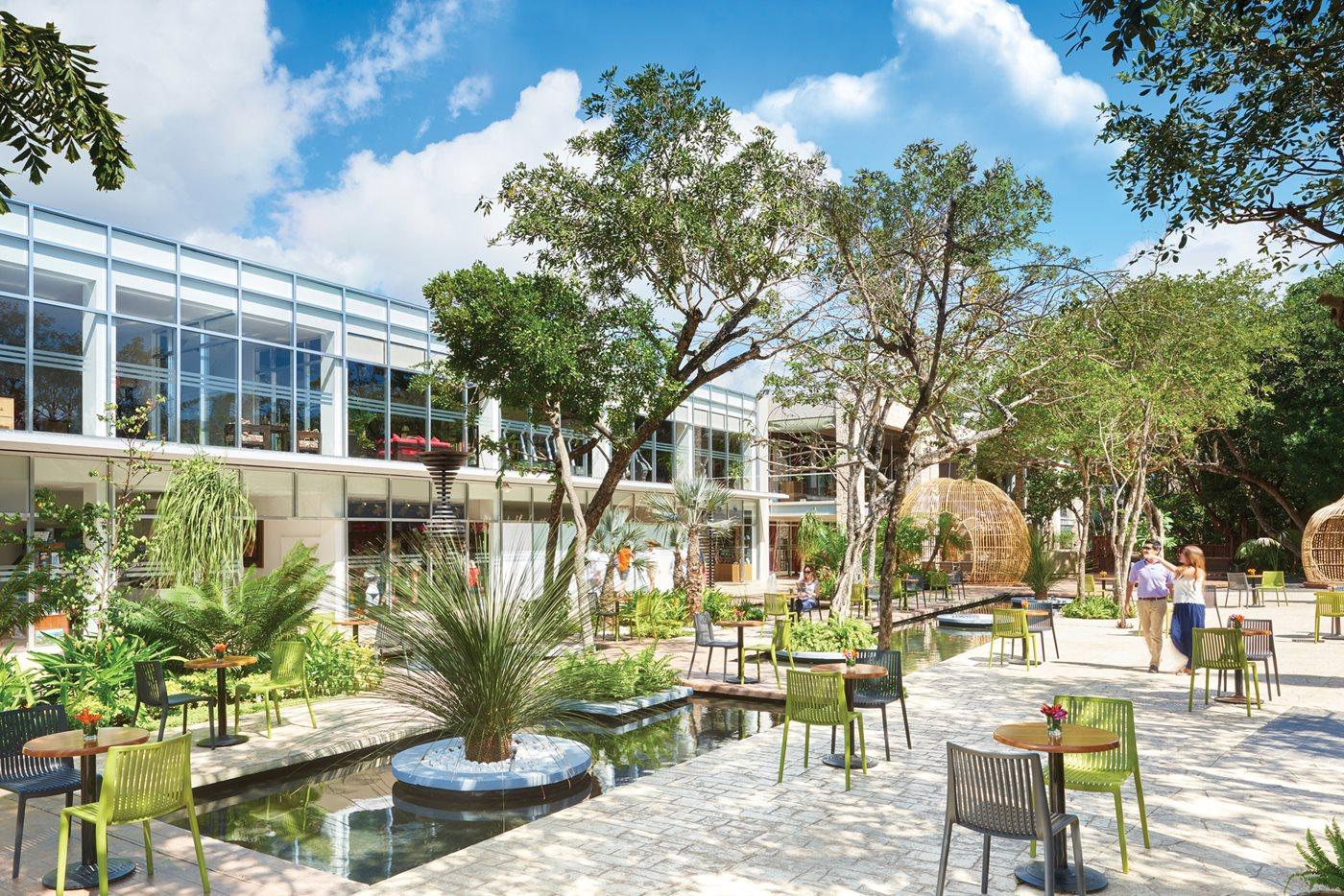 CUN-Fives-Azul-Beach-Hotel-Residence-Del-Carmen-Plaza-002
