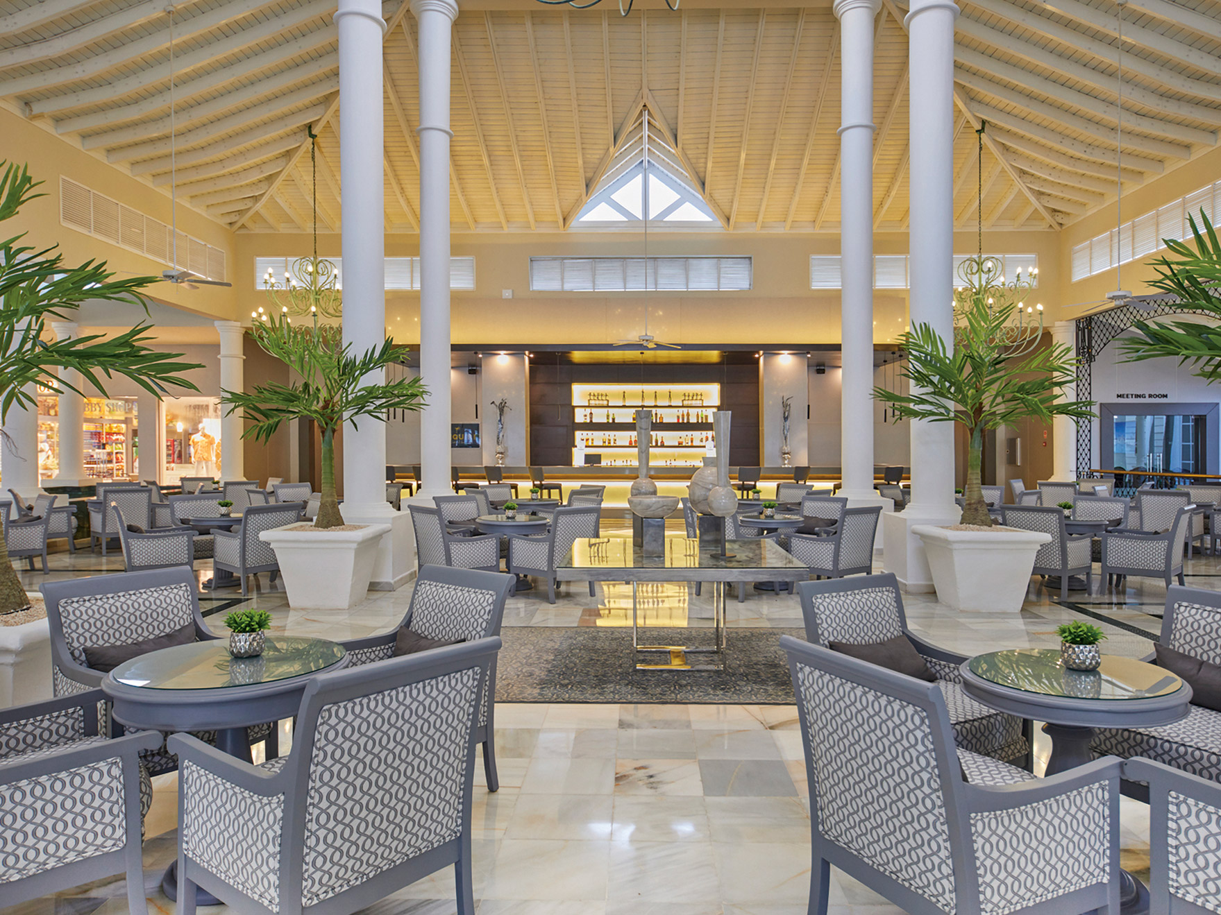 Luxury-Bahia-Principe-Ambar-Bar-002-Daiquiri