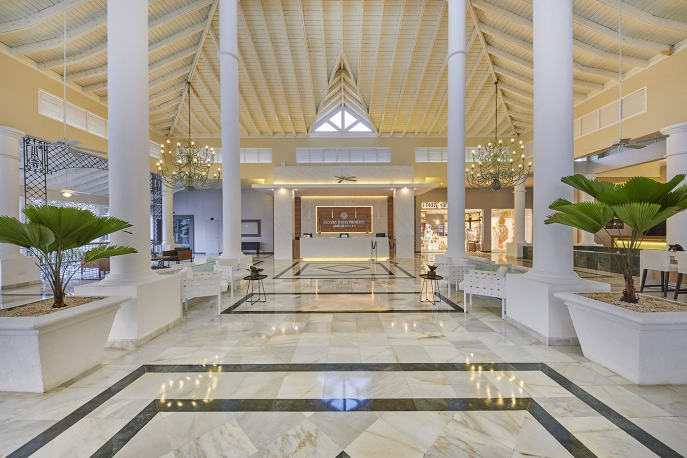Luxury-Bahia-Principe-Ambar-Lobby-002
