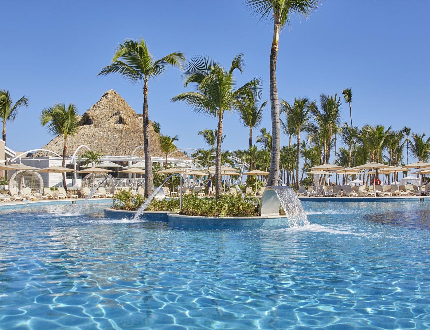 Luxury-Bahia-Principe-Ambar-Pool-003