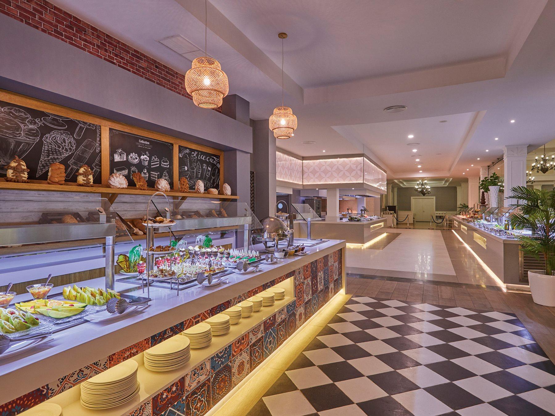 Luxury-Bahia-Principe-Ambar-Restaurant-002-Palmira