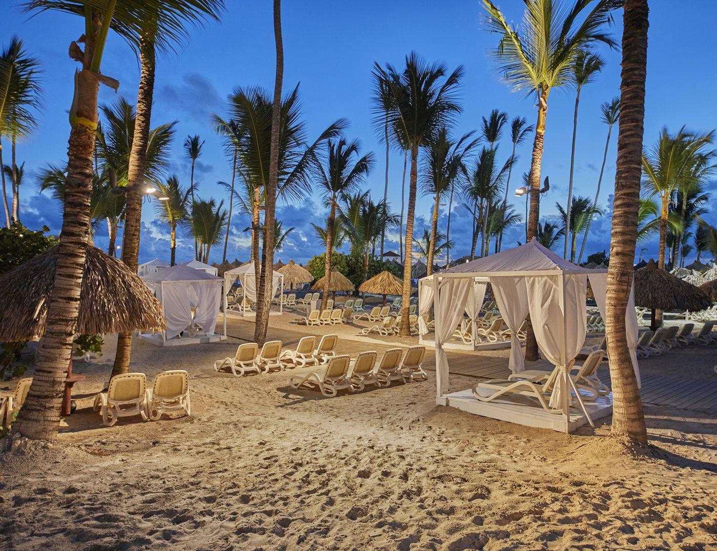 PUJ-Luxury-Bahia-Principe-Ambar-Beach-002