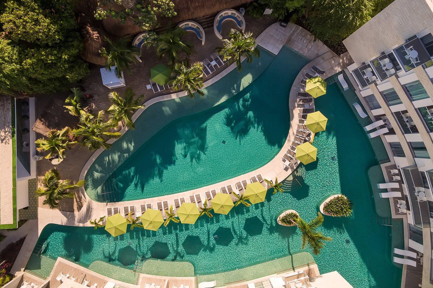 RIV-Fives-Azul-Beach-Hotel-Residence-Del-Carmen-Pool-Adults-001