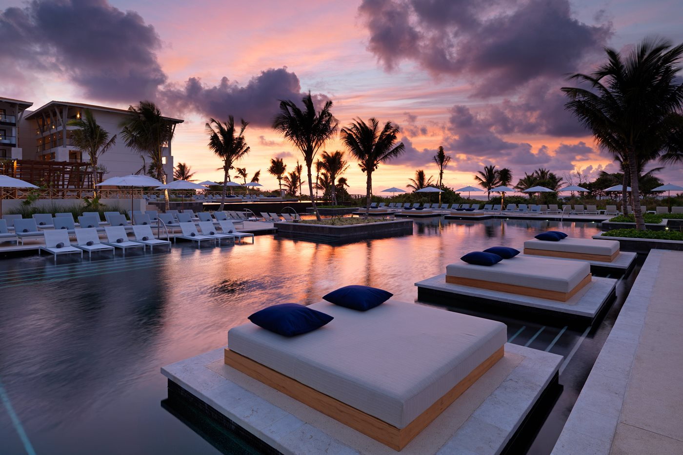 Unico-Riviera-Maya-Pool-001-AR