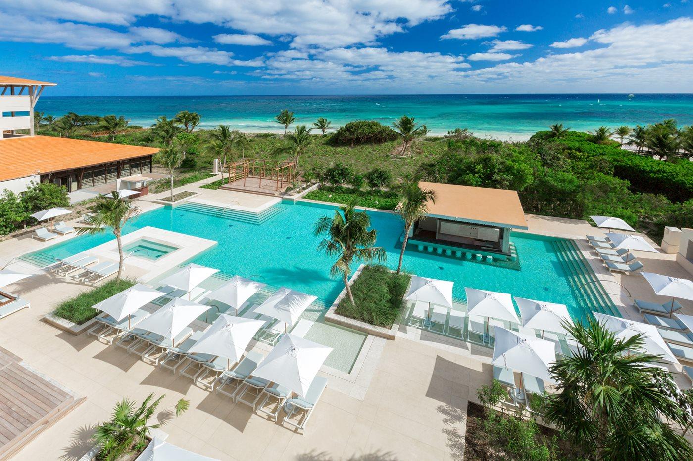 Unico-Riviera-Maya-Pool-002-AR