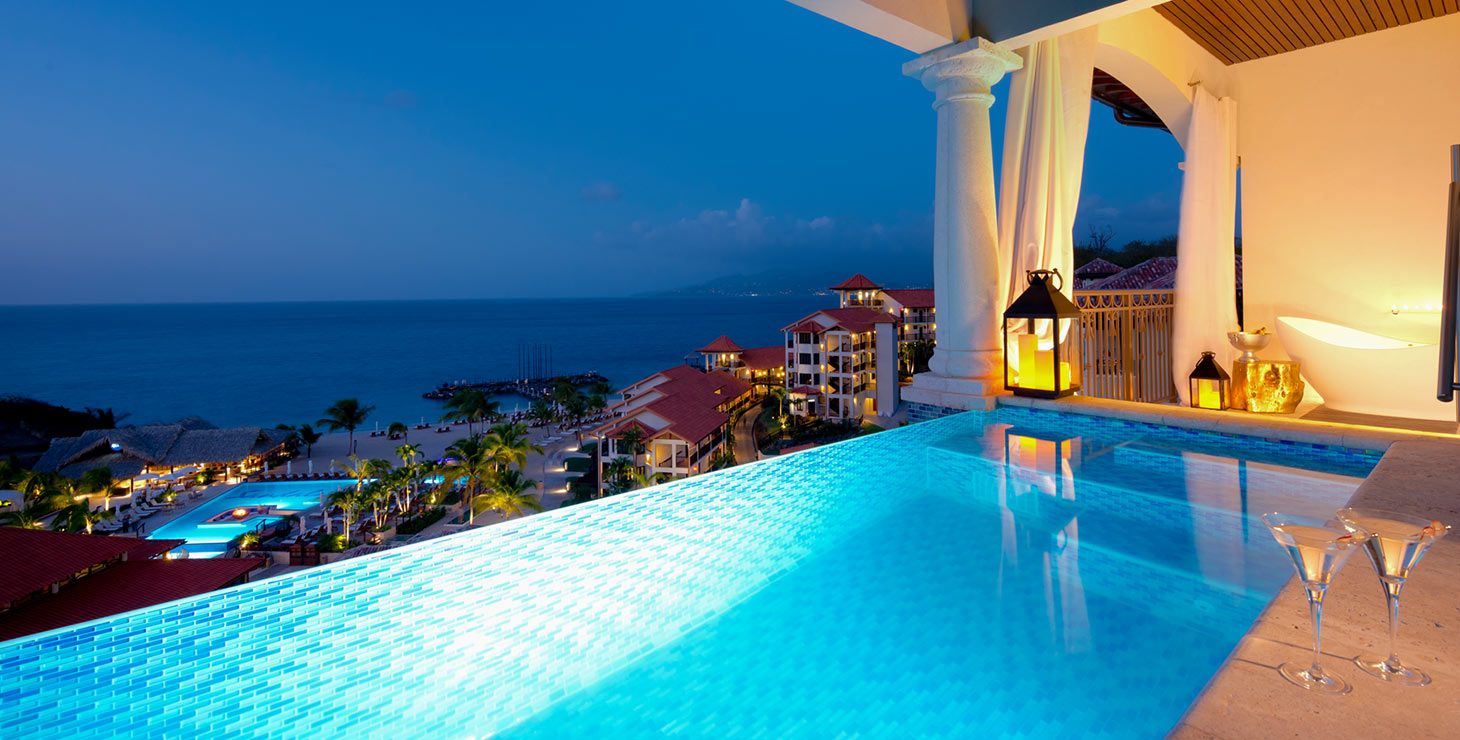 sls-luxurious-suite