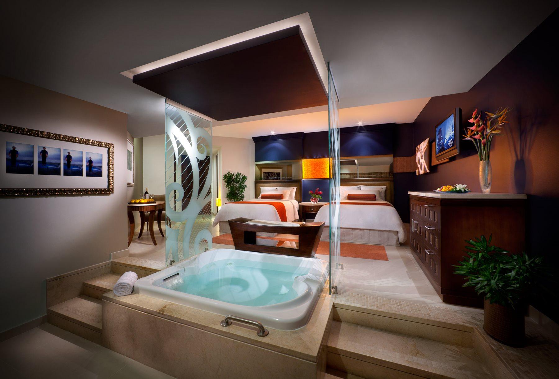 Hard-Rock-Hotel-Casino-Room-013-Caribbean-Suite