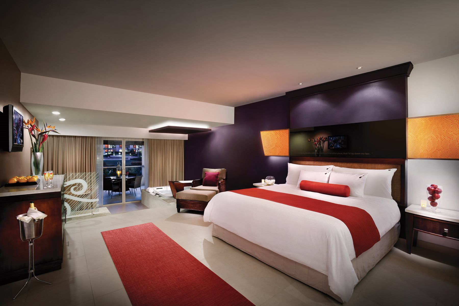 Hard-Rock-Hotel-Casino-Room-016-Islander-Junior-Suite