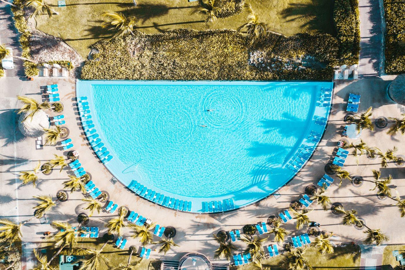 PUJ-Hard-Rock-Hotel-Casino-Pool-002
