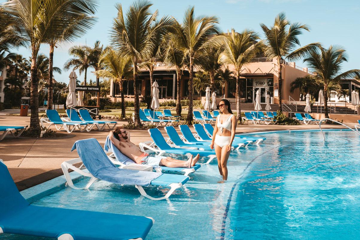 PUJ-Hard-Rock-Hotel-Casino-Pool-003