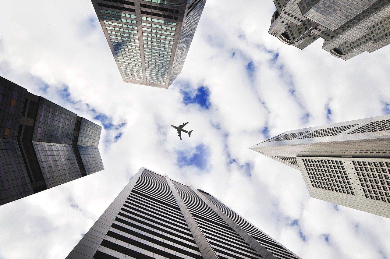"""""""Les cas COVID-19 liés aux voyages internationaux ne représentent actuellement que 1,8 % de l'ensemble des cas au Canada"""" : Bill Blair"""