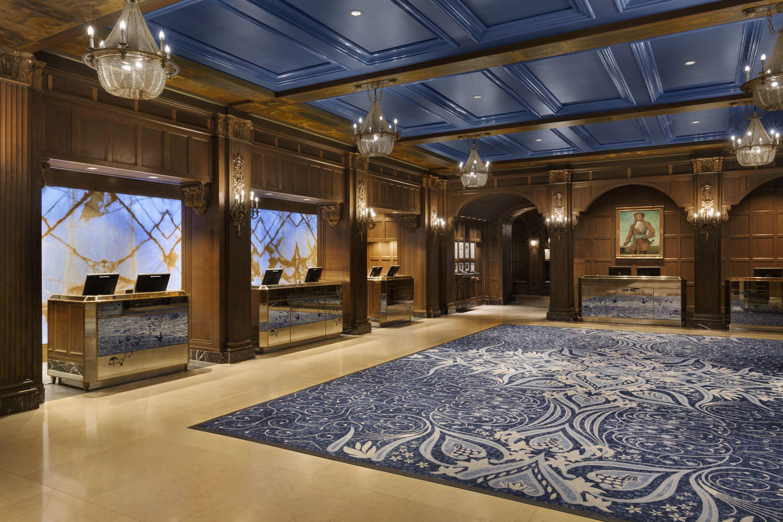 4. Fairmont Le Château Frontenac - Lobby Reception