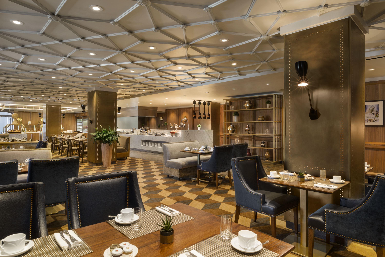 Dufferin_restaurant_833824_high