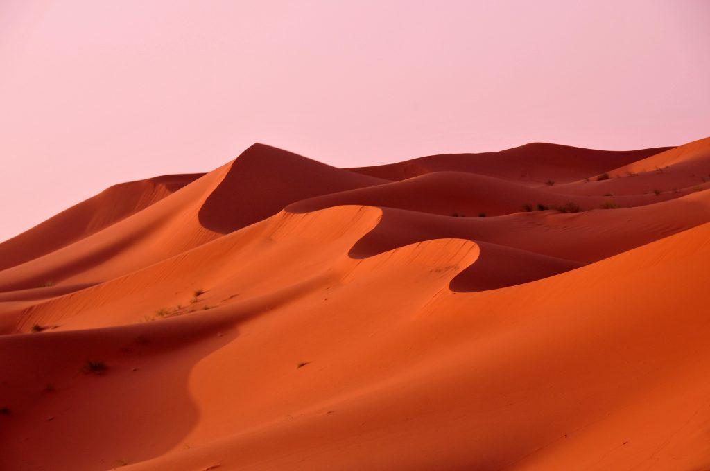 Quand bleu et orange se mélangent au Maroc