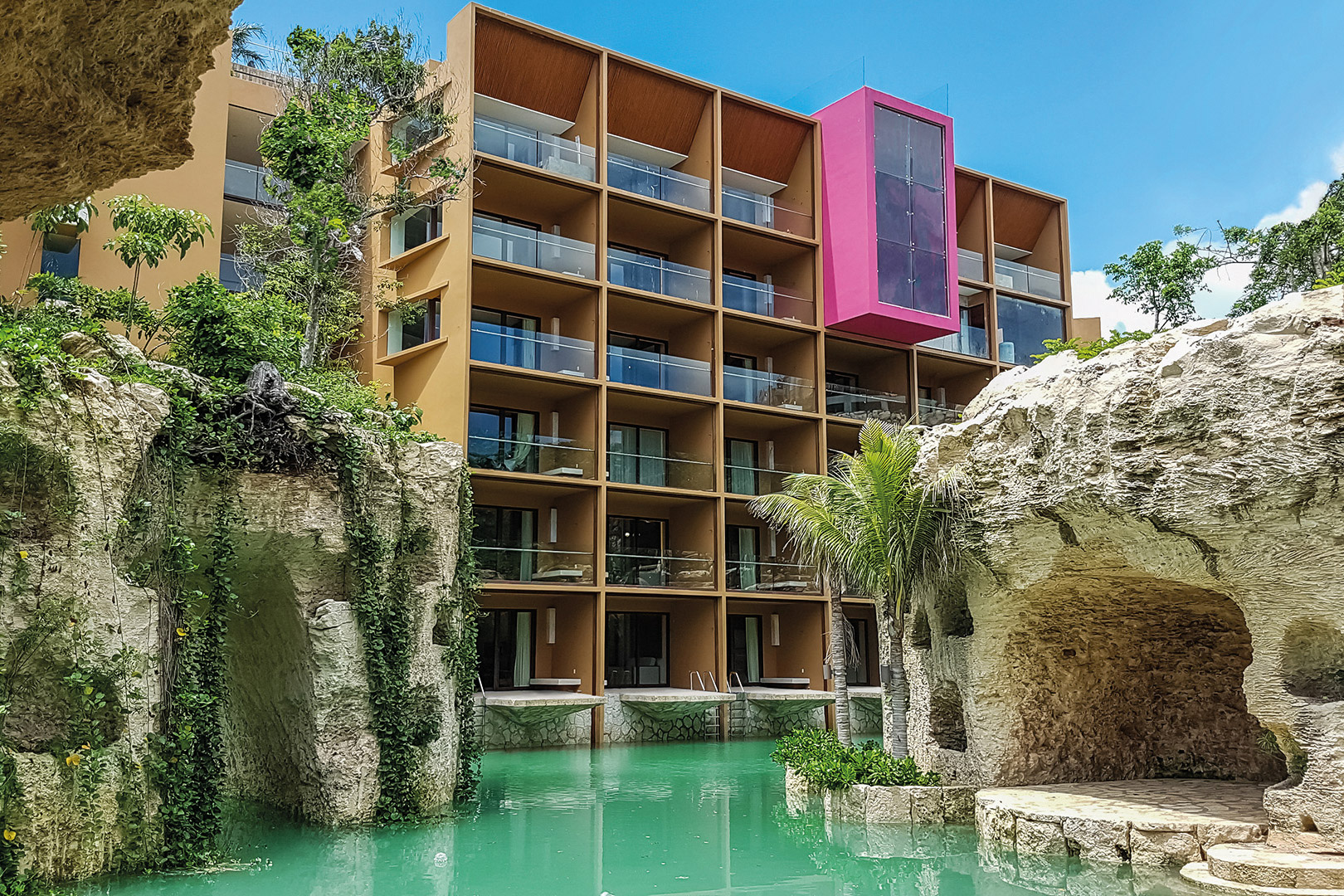 RIV-Hotel-Xcaret-Mexico-Room-suite-River-Adults-001