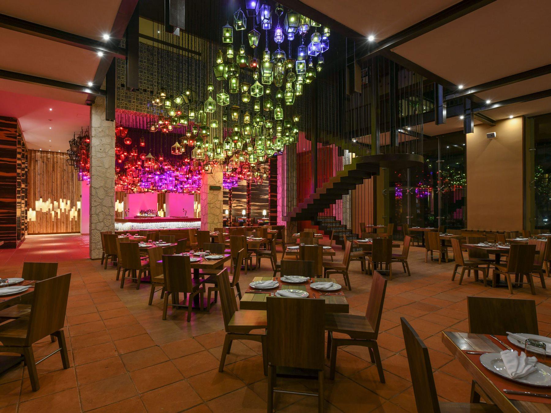 RIV-Hotel-Xcaret-Resto-La-Cantina-001