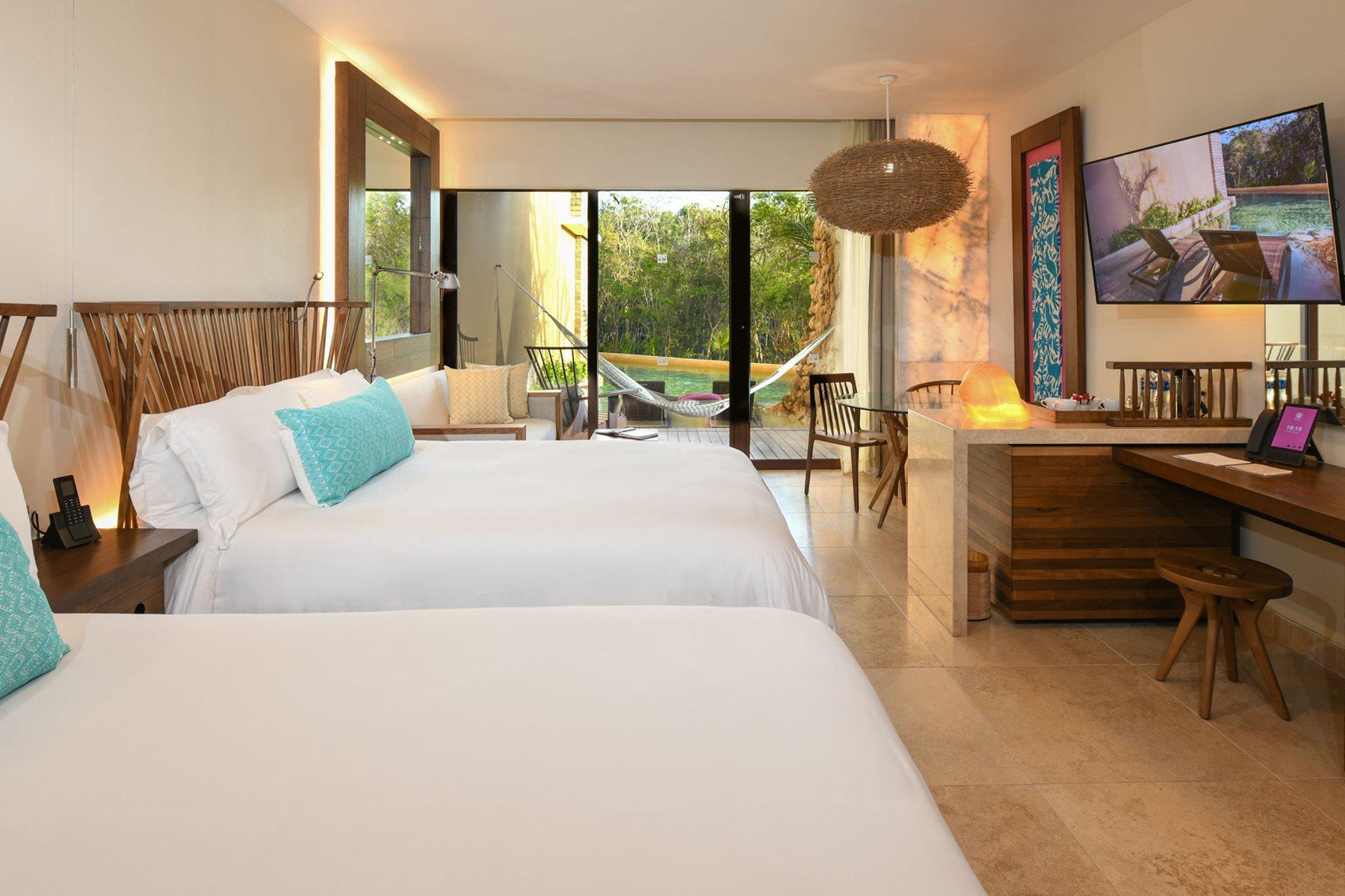 RIV-Hotel-Xcaret-Room-Swim-Up-Garden-004