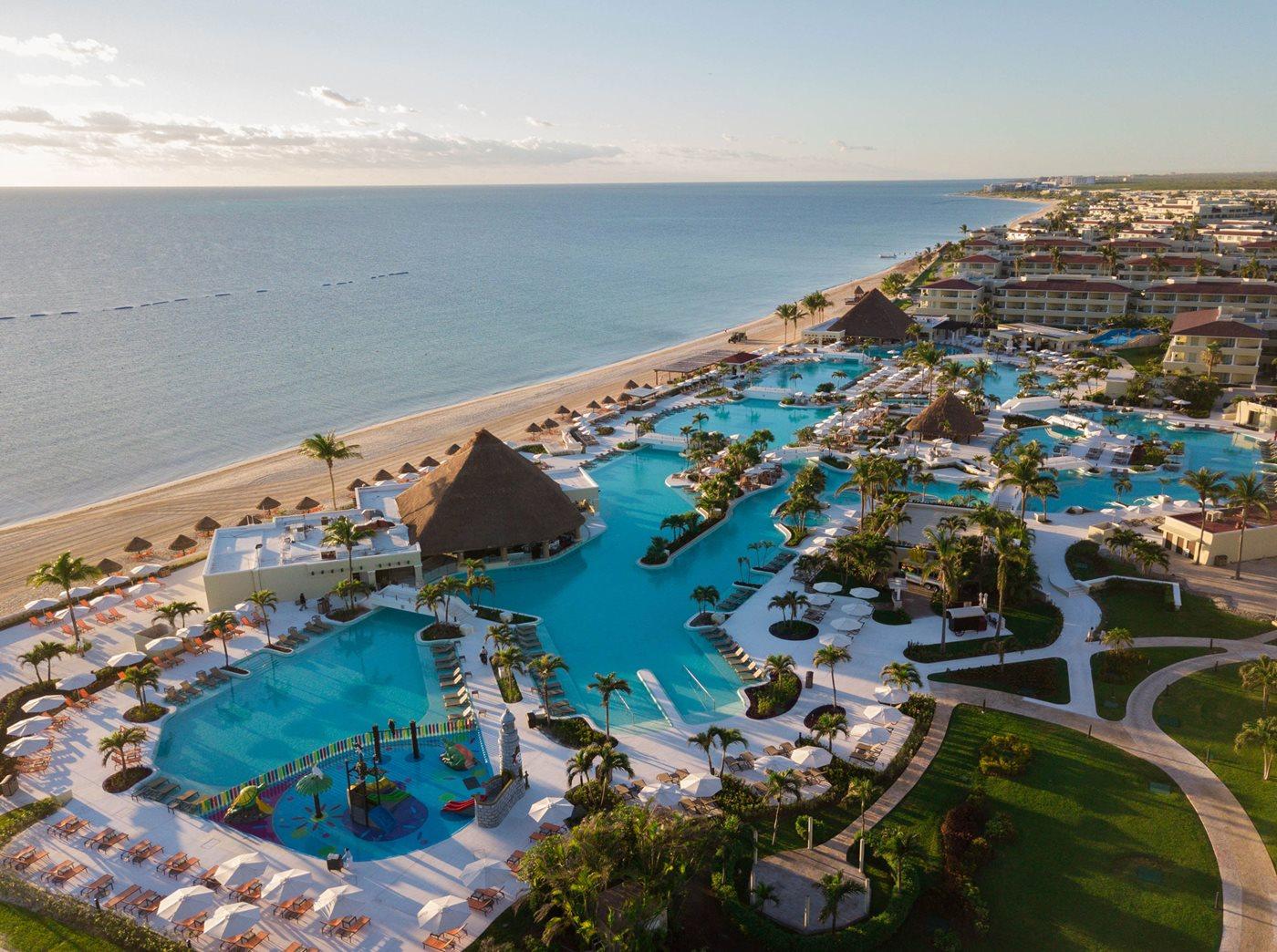 CUN-Moon-Palace-Cancun-Aerial-003