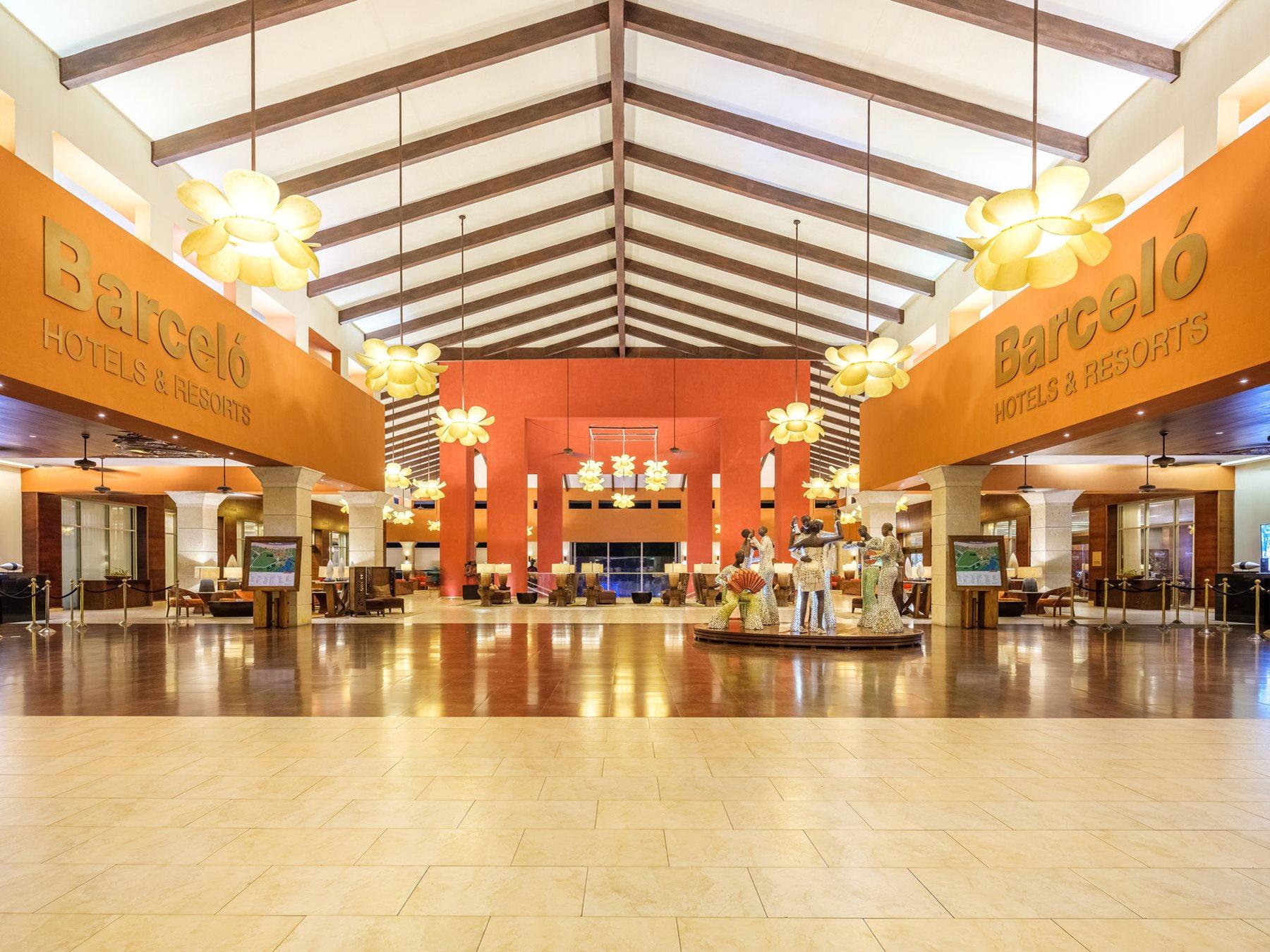 PUJ-Barcelo-Bavaro-Palace-Lobby-001