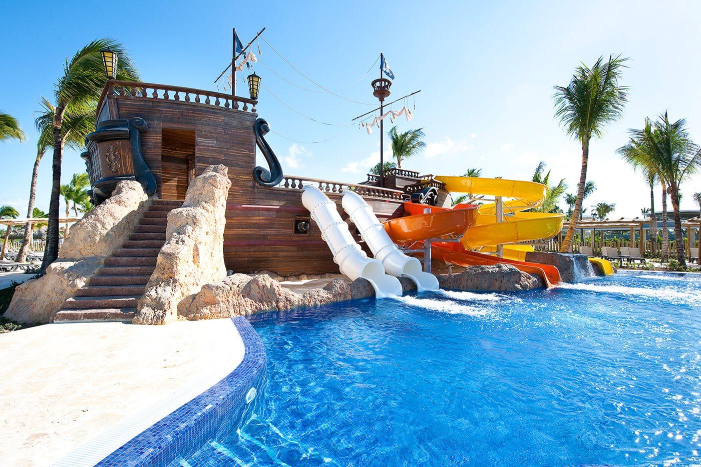 PUJ-Barcelo-Bavaro-Palace-Waterpark-001