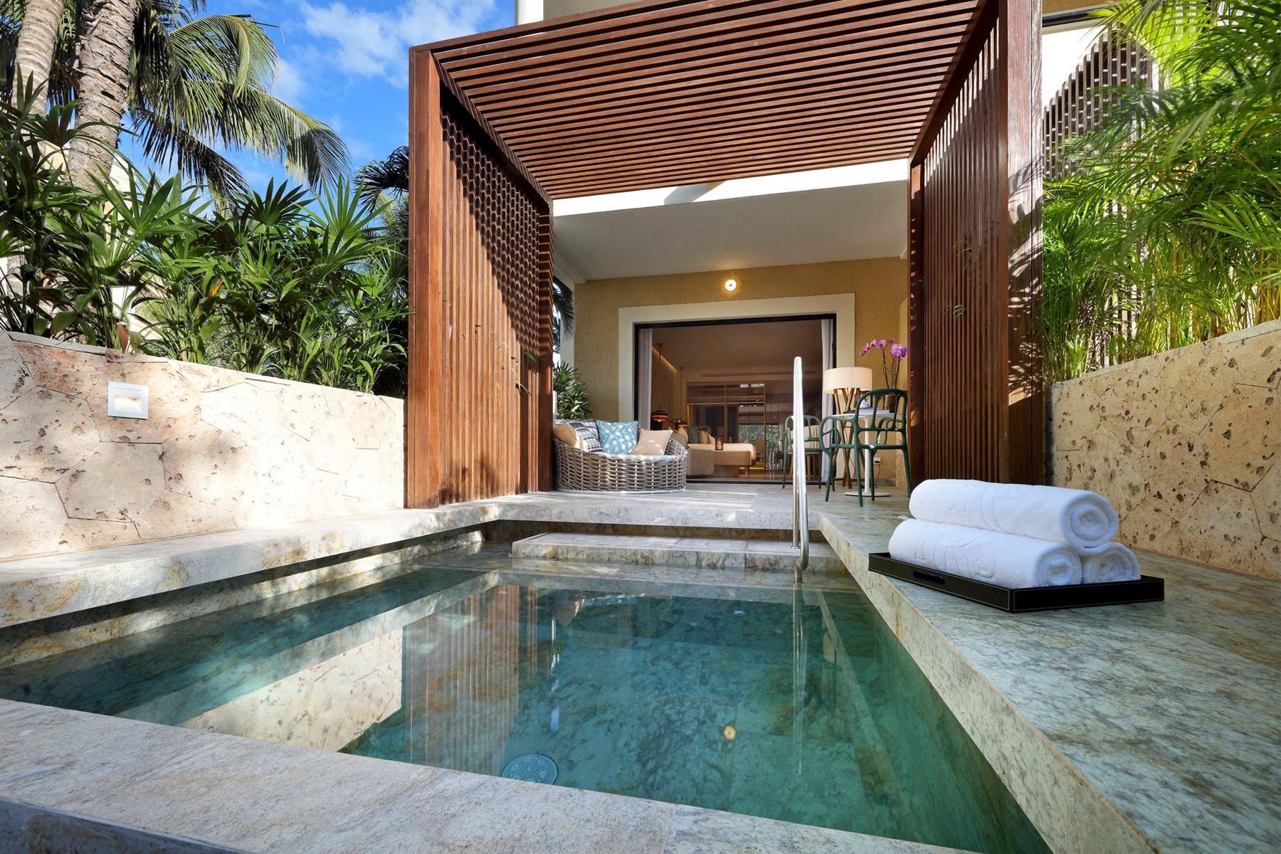 RIV-TRS-Yucatan-Room-Junior-Suite-Garden-View-Private-Pool-001 (1)