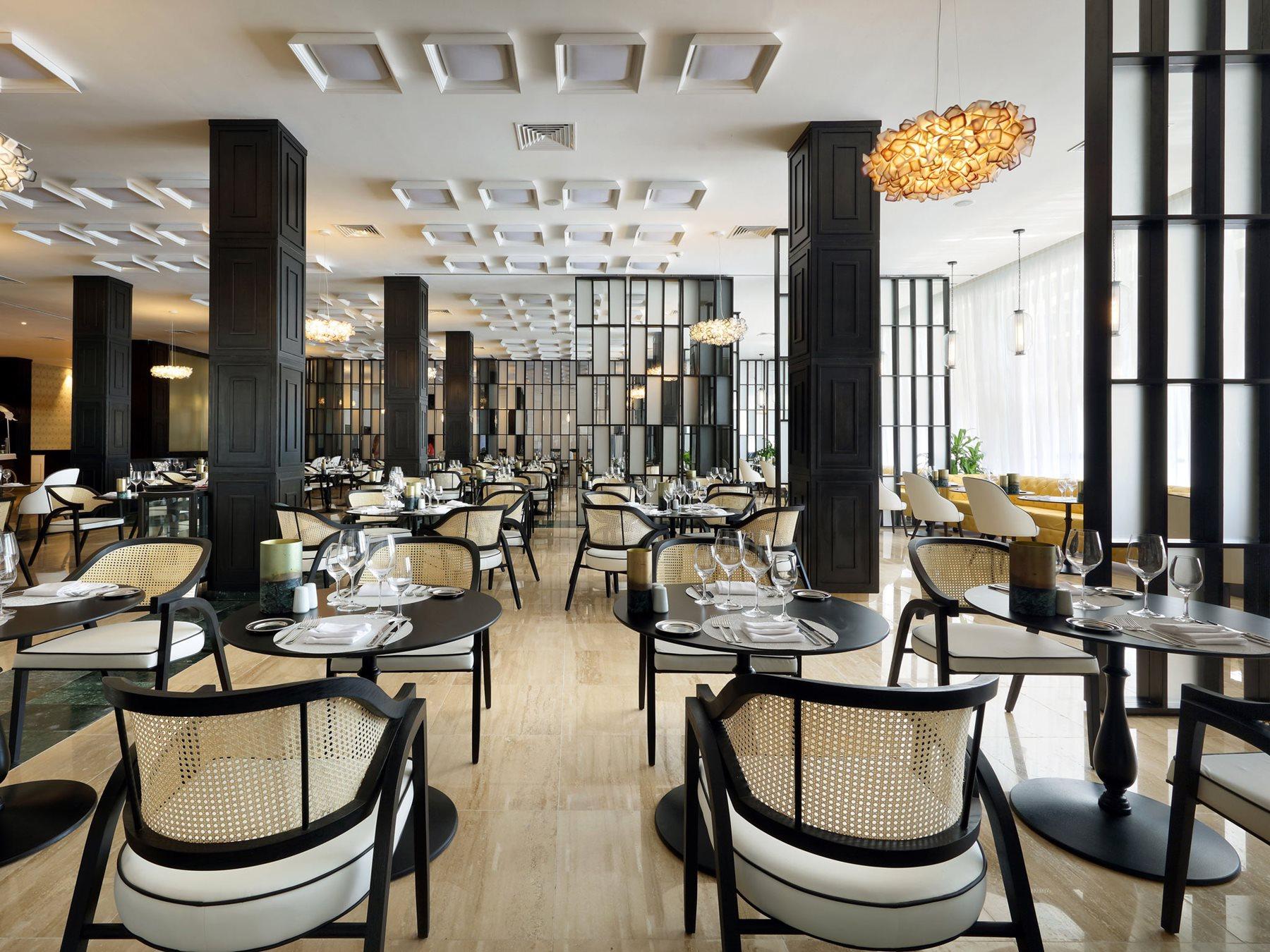 RIV-The-Royal-Suites-Yucatan-Restaurant-Entrance-001-Render