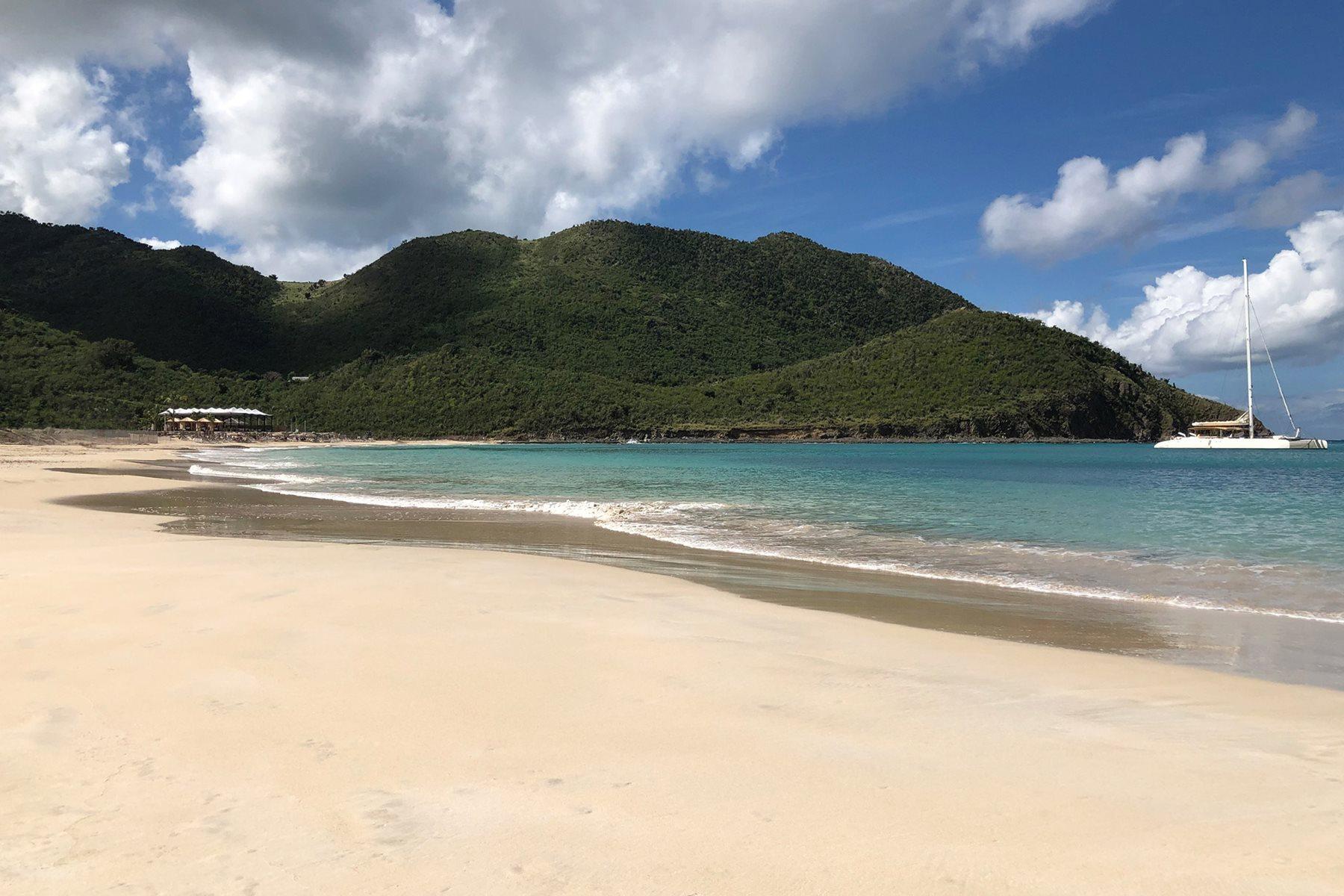SXM-Secrets-St-Martin-Resort-Spa-Beach-001
